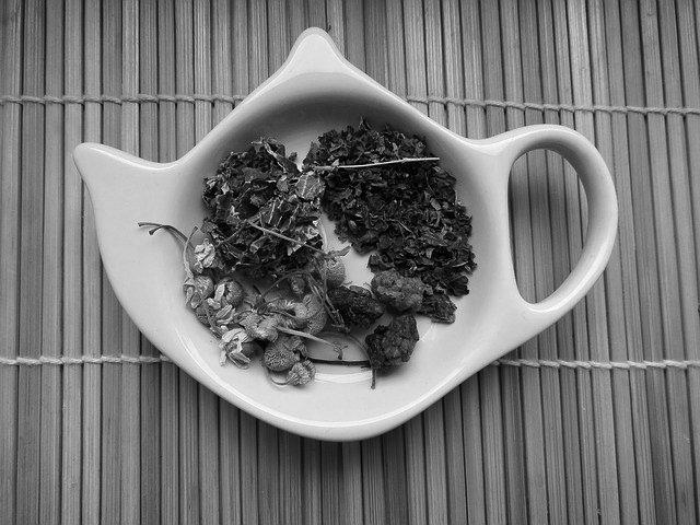 tea-490311_640 black whiite