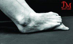 Foot over foot (2)